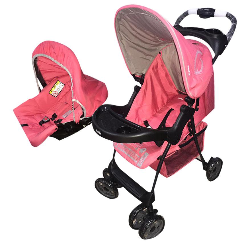 Coche con cargador de bebe