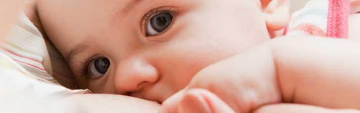 Porque mi bebé rechaza el pecho, que puedo hacer ?